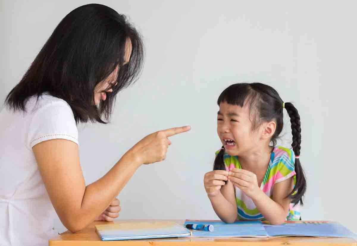 8 hành động tưởng xấu nhưng cha mẹ không nên cấm con
